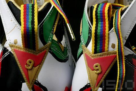 似曾相识-两个9号 - US10 - US10的鞋子们的故事