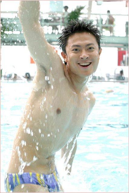 盘点:二十位男星湿身沐浴销魂瞬间(组图) - 104286596 - 左岸男模坊