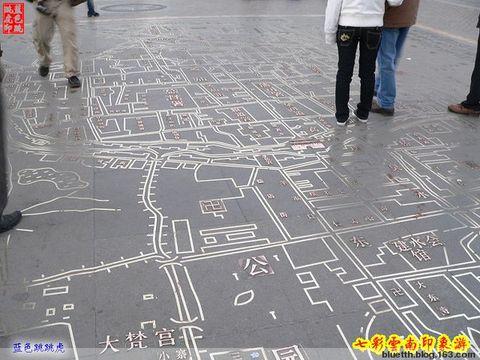 昆明市中心广场上的古代城区地图