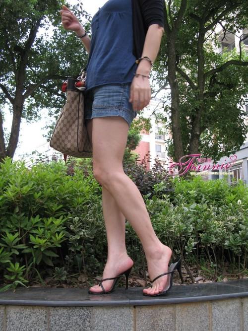 【足韵悠悠】夏日。黄昏下的高跟鞋 - fannie - fannie美足园