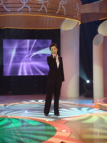 《唱响奥运》的最新时尚造型 - David - 沈龙