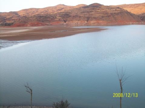 冬日傍晚的秦皇湖像一种思念 - 写意红河故里 -