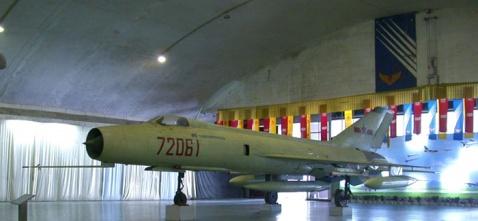 不老的战士:中国歼-8战斗机主要型号外形识别 - 天使心^_^ - 走向深蓝……