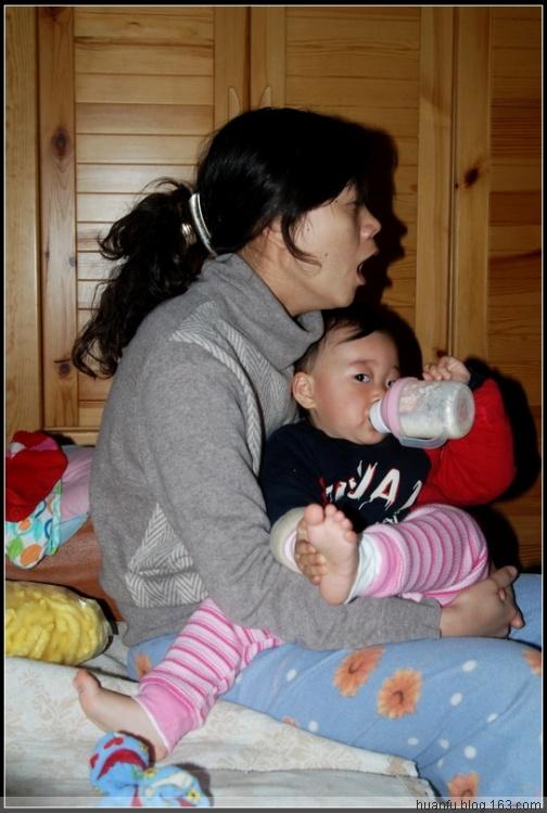 (12.4)家有千金493天:吃奶的时候 - AF摄影(蹈海踏浪) - 青岛AF摄影工作室