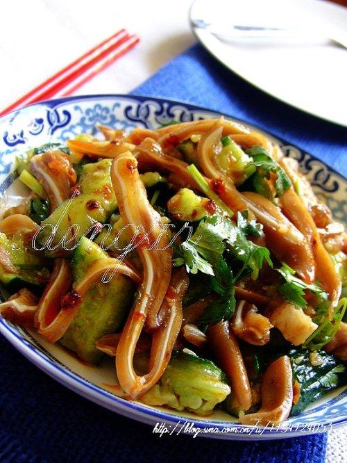 红油猪耳拍黄瓜(7款大众口味的荤素搭配开胃凉拌菜) - 可可西里 - 可可西里