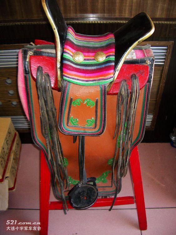 马鞍对蒙古族来说不仅是骑马的图片
