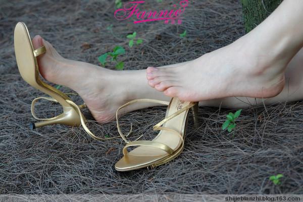 秀美高跟凉鞋 - 蓝精灵 - lanjingling0718的博客