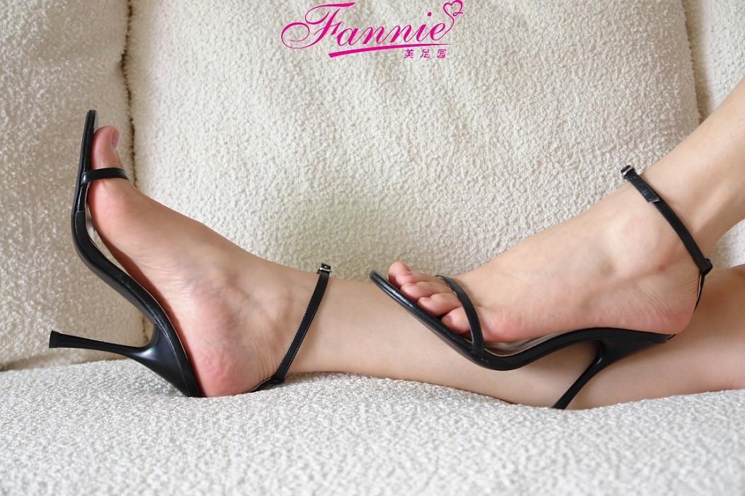 极致高跟魅惑 《九》 - 喜欢光脚丫的夏天 - 喜欢光脚丫的夏天
