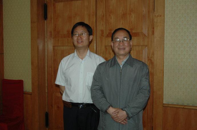 秦力和陕西省书协主席雷珍民在咸阳彩虹宾馆书画笔会上