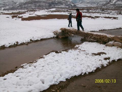 写红河的佳作:压过来的春天/◆式路 - 写意红河故里 -
