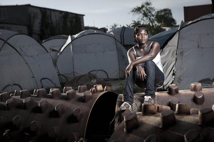 海地难民们写个世界的求援信(组图) - 刻薄嘴 - 刻薄嘴的网易博客:看世界