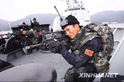 军人图片----出征索马里的中国海军特战队 - 披着军装的野狼 - 披着军装的野狼