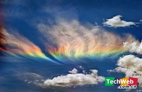 人生难得一见的自然奇观:火彩虹 - 798DIY - 798 DIY 陶瓷家饰