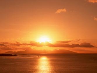(七言)《咏宇宙的小太阳,轩里的小伶气》  作者:穆英