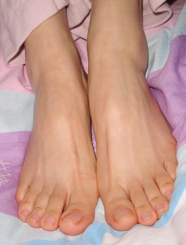 == 冬夜。随拍。洁 == - 喜欢光脚丫的夏天 - 喜欢光脚丫的夏天