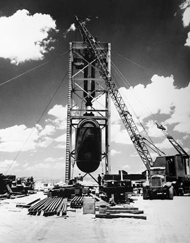 美核试验老照片:人类第一颗原子弹准备试爆