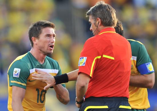 图文-[小组赛]加纳VS澳大利亚科威尔为自己申辩