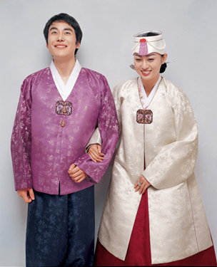 代的韩民族的传统服装
