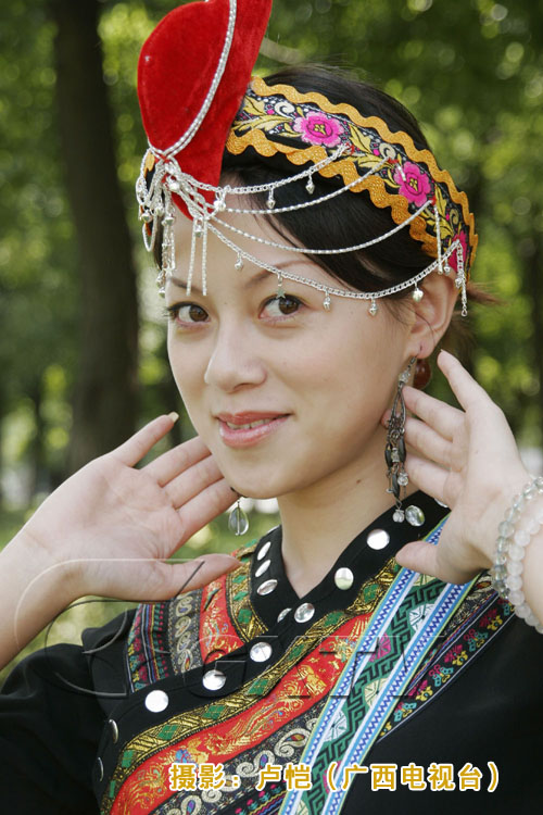 我国56各民族女子的各色服饰 - 云卷云舒 - 性爱城