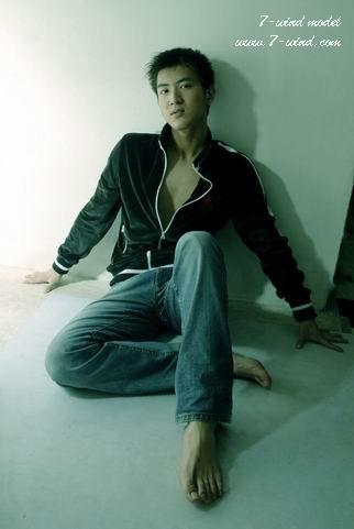 素色搭配缔男士服装造完美形象 - 型男志 - 达人の秀