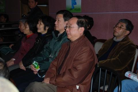 我 们 的 选 择 - Linda  Tong - 流逝的岁月  沉淀的经历