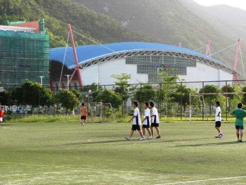 人造草皮足球场高清图片