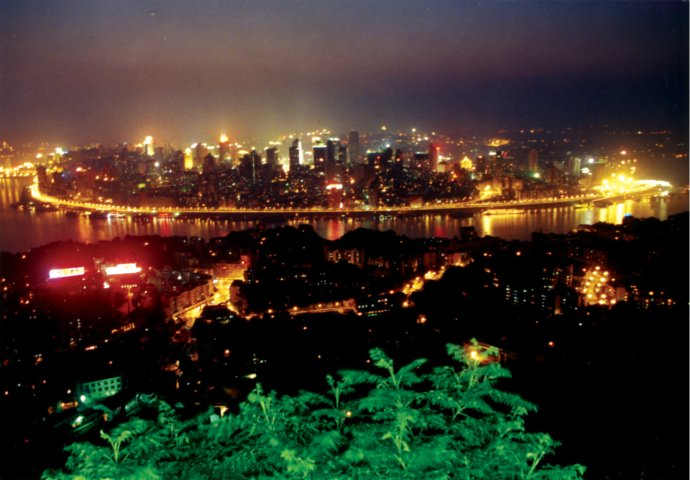 跟我看三峡(之二十九)灯如繁星首重庆