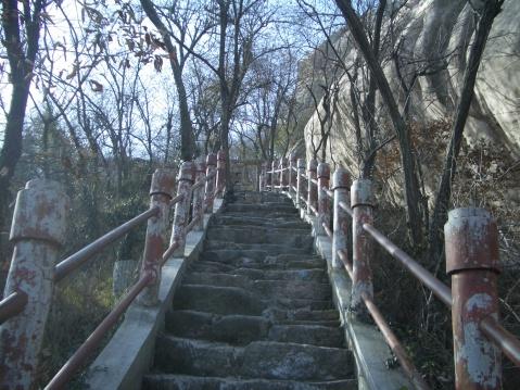 【原创】跨 越 铜 峰 - 大隐吕山 - 大隐于朝 中隐于市 小隐于野