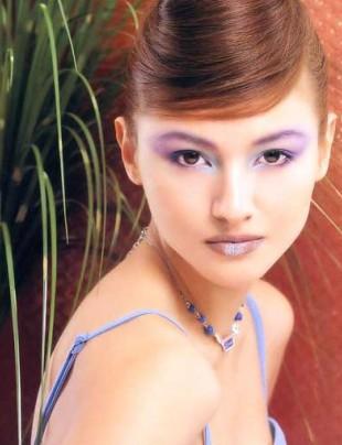彩妆高手 传授缤纷眼影秘籍 - 雷雨 - 雷雨的博客