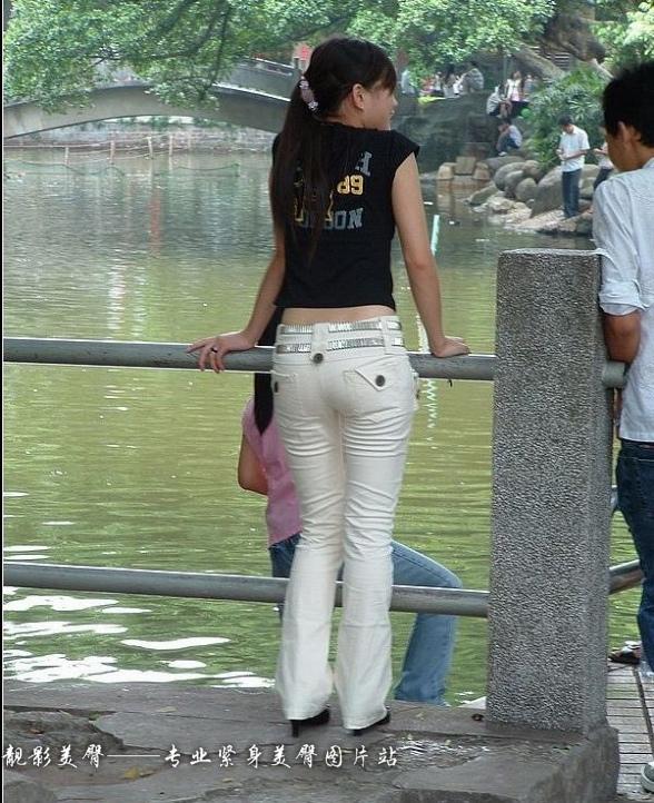 经典白色紧身裤大集合 - 源源 - djun.007 的博客