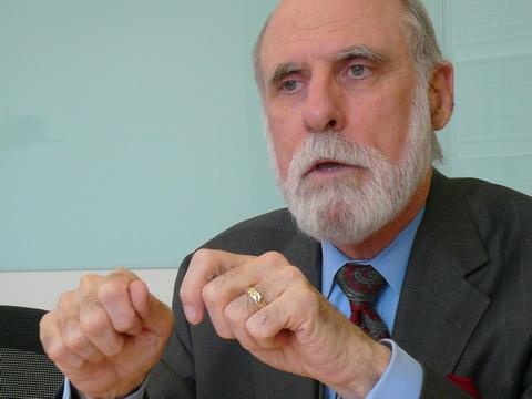 互联网之父Vinton:我增加Google的讽刺指数 - 金错刀 - 《错刀科技评论》