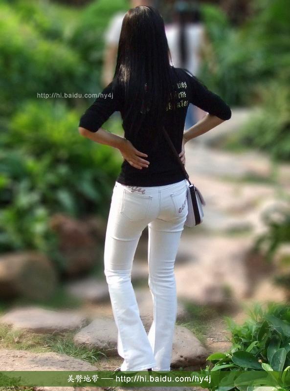 逛公园的白裤紧臀小美女.  - 源源 - djun.007 的博客