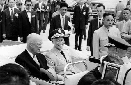蒋介石罕见照片 - 毛毛 - 憧憬--在理想与现实之间沉思