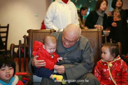 梦老悲心 加持台湾爱滋宝宝 - 梦参老和尚 - 梦参老和尚的博客