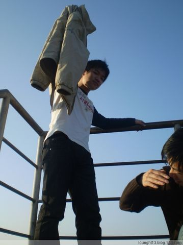 今日初五出太阳~` - lounght -