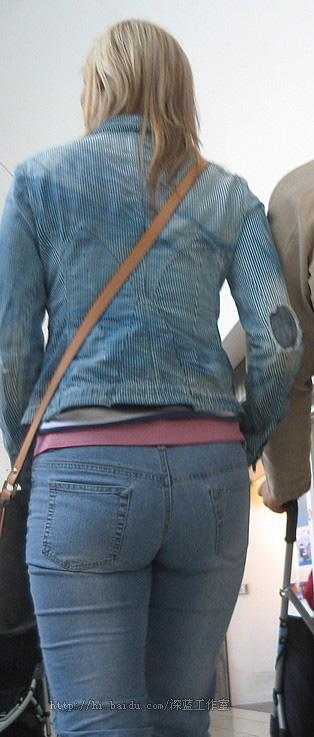 美女紧身牛仔裤翘臀图邪恶漫画>>穿牛仔裤的高中 ...