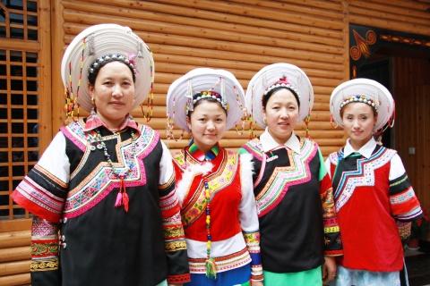 新年最好的精神食量 - 王老师 - 尔苏藏族文化