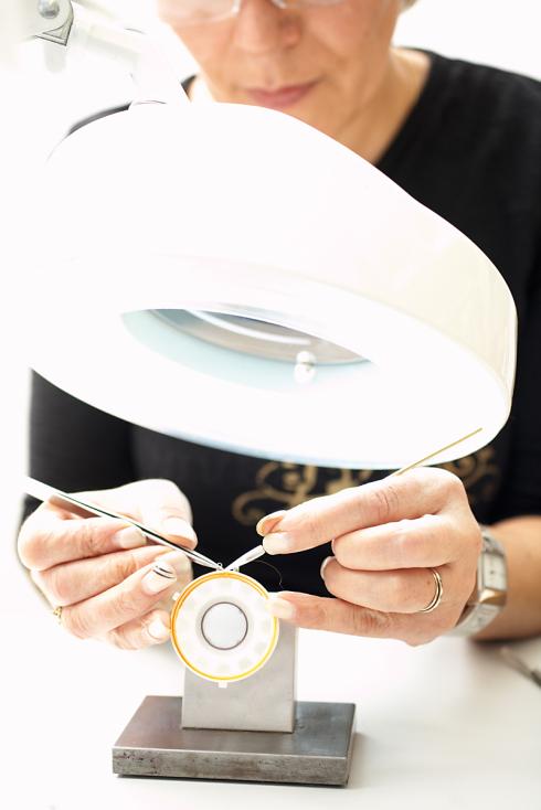 拜亚耳机的纯手工工艺 - 拜亚动力 - 耳机地带