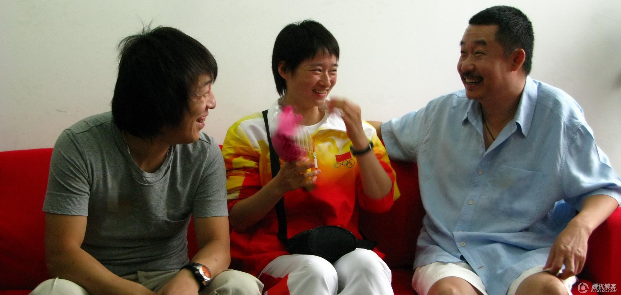 和奥运冠军吴静钰亲密接触 - 黄渤 - 黄渤的博客