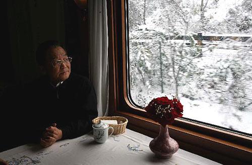 [引用]2008年温总理8幅催人泪下的照片 - 小草 -  高山流水