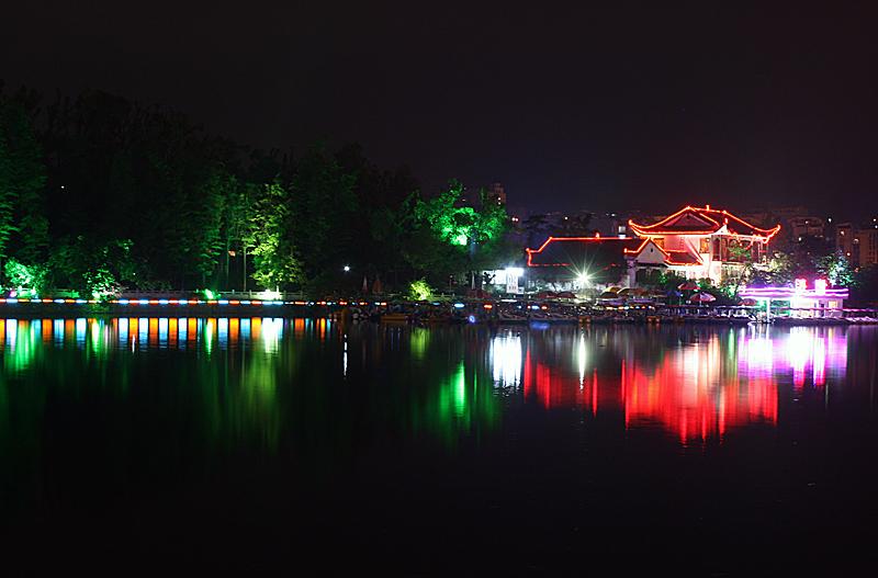 [原创]北湖之夜 - 歪树 - 歪树