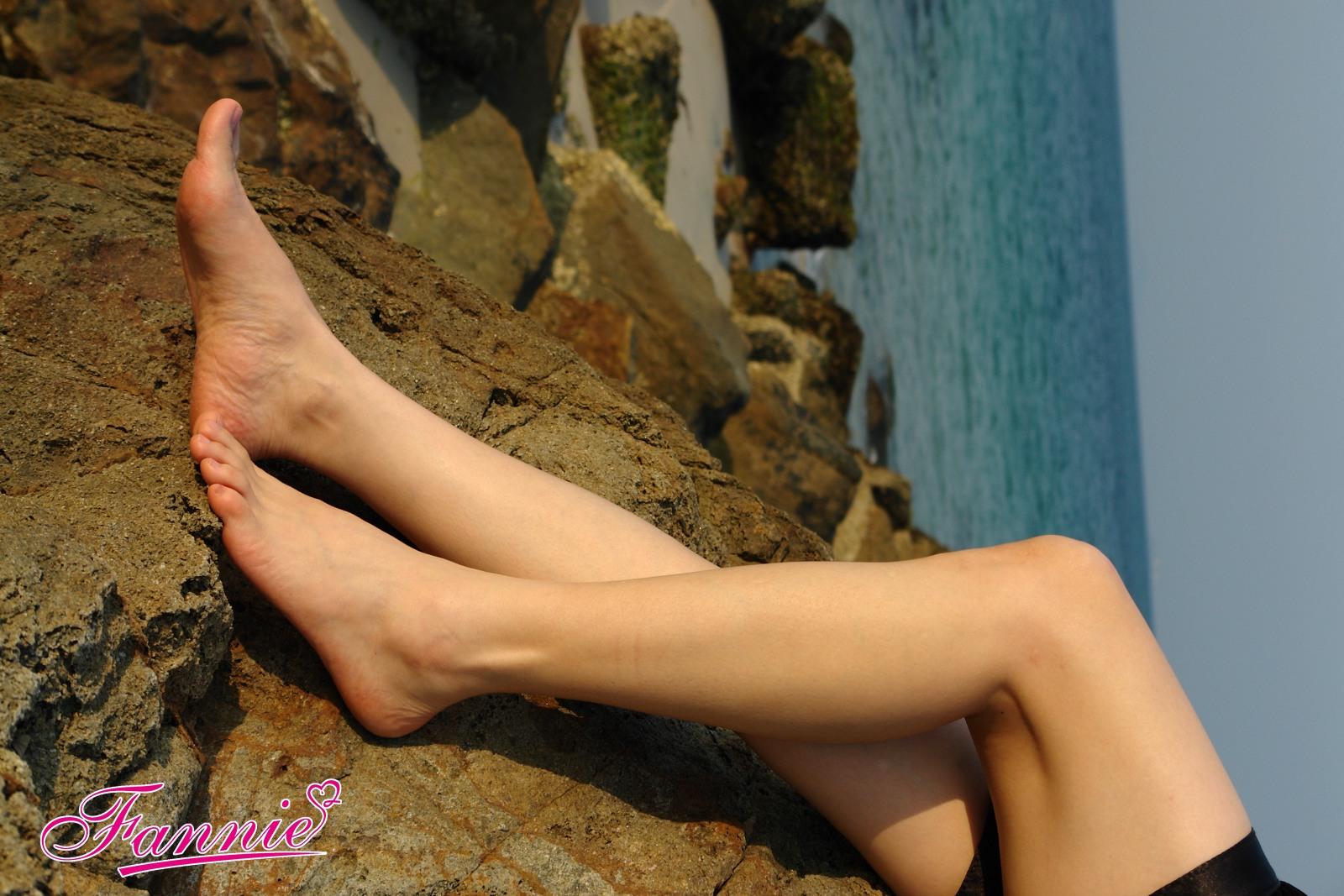 == 云轻晖落拾记忆 == - 喜欢光脚丫的夏天 - 喜欢光脚丫的夏天