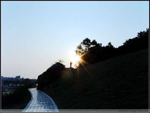 晨读 - 点燃未来 - 一阵风,几朵浪,天好蓝好蓝