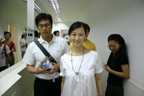 翁虹身孕曝光  夫君伦浩相伴 - 老曾 - 老曾的博客