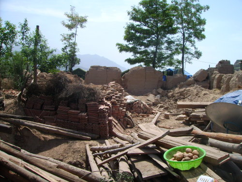 甘肃灾区,全国扶贫县,重建家园特别困难(2) - 杨克 - 杨克博客