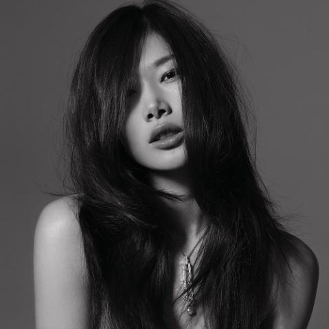 珠宝美女的黑白视觉 - 杨芳 - 杨芳的博客