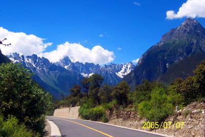 (原创)川藏南线+稻城+亚丁12日游 - 走遍中国 - 2011让我们一起走进川藏线、走进西藏!