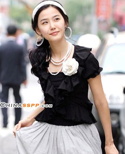 :最适合穿进职场的短袖衬衫 - 花季少女 - 花 季 少 女
