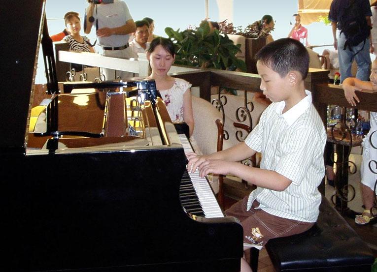 (原创)2009年夏季2005年冬季2007年夏季沙龙音乐会照片 - 狂舞的钢琴 - 苏州专业钢琴教学工作室