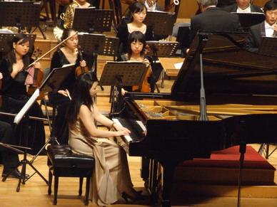 倾听女钢琴家陈萨的水晶般的演奏 - liuyj999 - 刘元举的博客